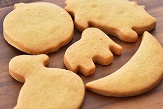 メイプルサブレのクッキー缶